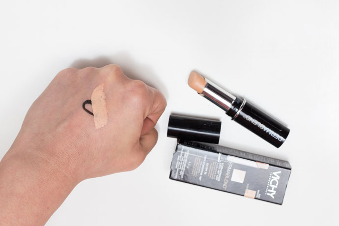 vichy demablend corrector stick swatch