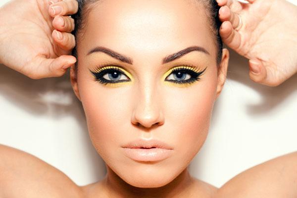 eyelinerul Inteza L'Oreal
